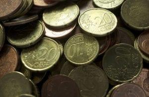 financieel afhankelijk